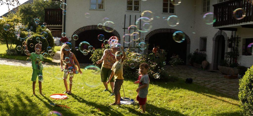Seifenblasen-Fest mit Kibdern